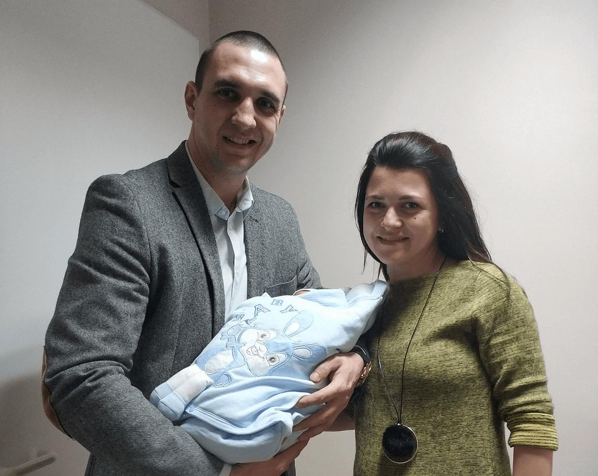2000-бебе-в-аг-селена-за-2018